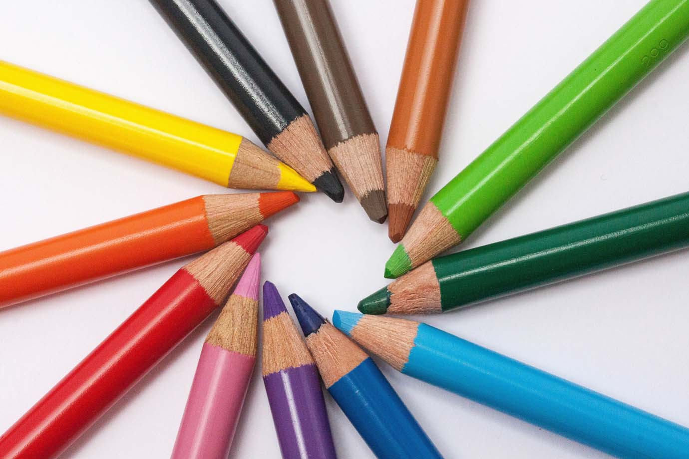 colored pencils 374771